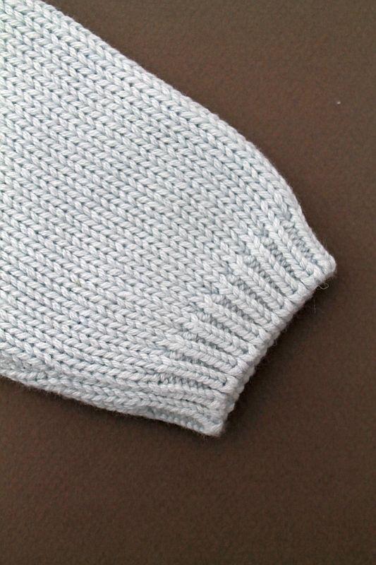 pull en tricot de coton et laine mi saison bleu tr s clair b b gar on 6 mois petit bateau. Black Bedroom Furniture Sets. Home Design Ideas